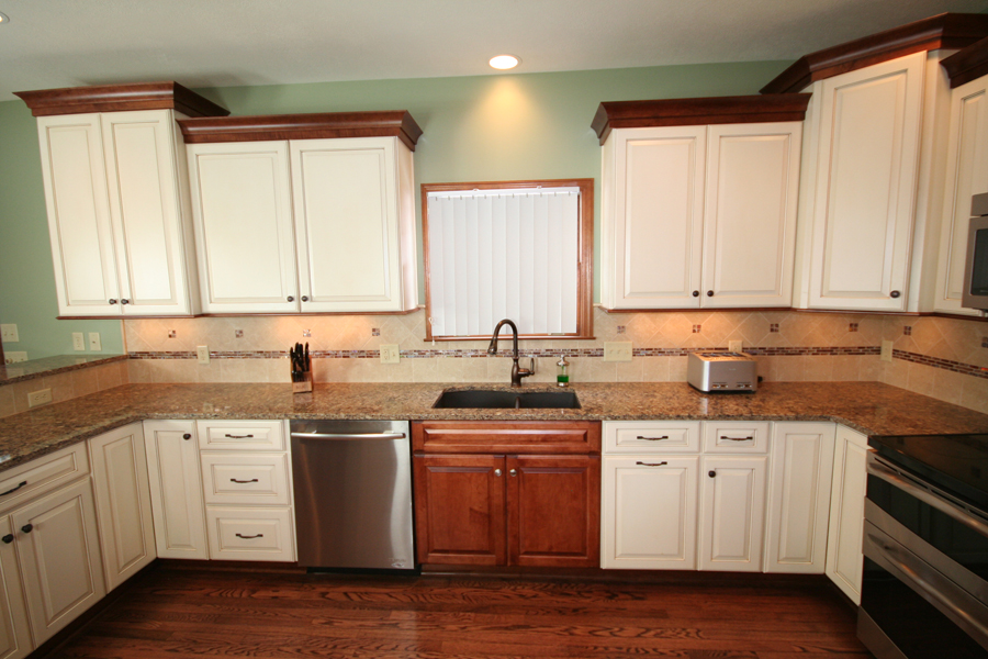 A New Pittsburgh Kitchen Completed: Medallion Cabinetry in a Two ...